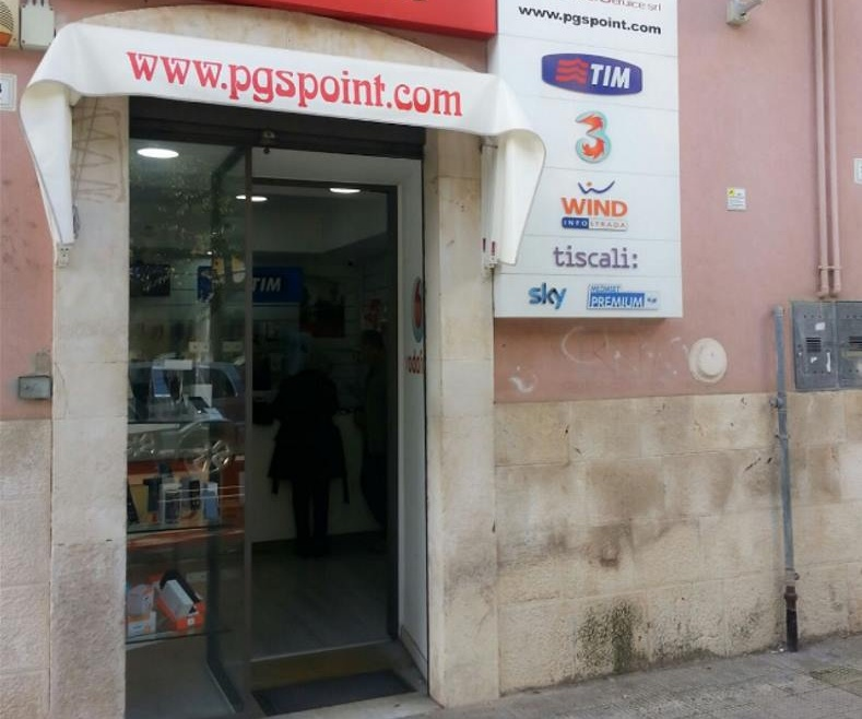 Sventato un furto al negozio di telefonia in Via Roma: immediato l'intervento dei Vigilantes