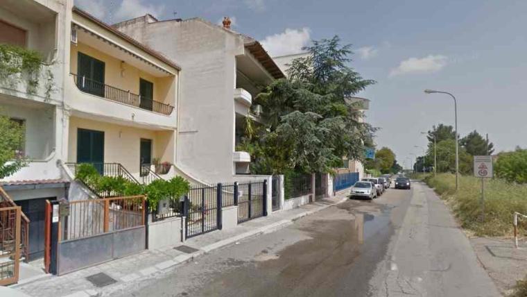 Tentano di svaligiare una villa: ladri messi in fuga dalla Vigilanza La Fonte